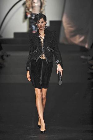 Показ Giorgio Armani Privé коллекции сезона Осень-зима 2009-2010 года haute couture - www.elle.ru - Подиум - фото 87691