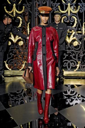 Показ Louis Vuitton коллекции сезона Осень-зима 2011-2012 года prêt-à-porter - www.elle.ru - Подиум - фото 255494