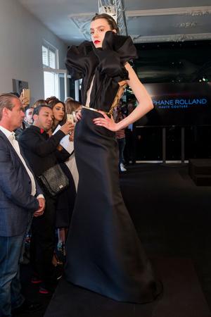 Показ Stephane Rolland коллекции сезона Осень-зима 2015-2016 года Haute couture - www.elle.ru - Подиум - фото 597499