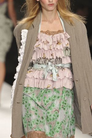 Показ Betty Jackson коллекции сезона Весна-лето 2010 года prêt-à-porter - www.elle.ru - Подиум - фото 111821