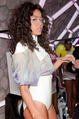 Показ Julien Fournie коллекции сезона Весна-лето 2012 года Haute couture - www.elle.ru - Подиум - фото 332007
