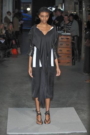 Показ Atelier Gustavo Lins коллекции сезона Весна-лето 2010 года Haute couture - www.elle.ru - Подиум - фото 138345