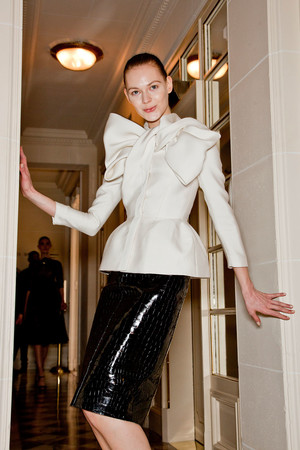 Показ Giambattista Valli коллекции сезона Весна-лето 2012 года Haute couture - www.elle.ru - Подиум - фото 330949