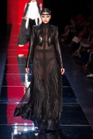 Показ Jean Paul Gaultier коллекции сезона Осень-зима 2012-2013 года Haute couture - www.elle.ru - Подиум - фото 404638