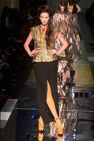 Показ Jean Paul Gaultier коллекции сезона Весна-лето  2017 года Haute couture - www.elle.ru - Подиум - фото 616788