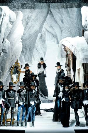 Показ DSquared2 коллекции сезона Осень-зима 2011-2012 года Prêt-à-porter - www.elle.ru - Подиум - фото 247012