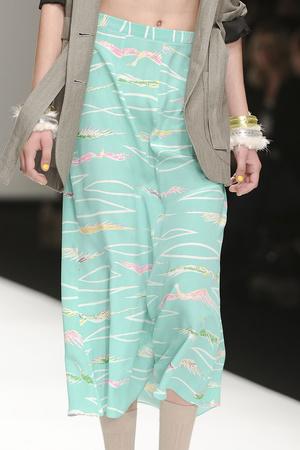 Показ Betty Jackson коллекции сезона Весна-лето 2011 года Prêt-à-porter - www.elle.ru - Подиум - фото 179019