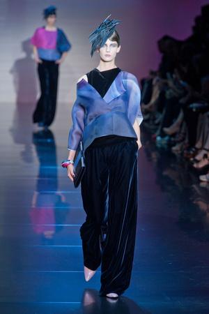 Показ Giorgio Armani Privé коллекции сезона Осень-зима 2012-2013 года haute couture - www.elle.ru - Подиум - фото 404188