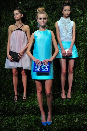 Показ Kate Spade коллекции сезона Весна-лето 2014 года prêt-à-porter - www.elle.ru - Подиум - фото 558671