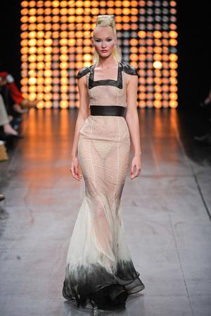 Показ Julien Fournie коллекции сезона Осень-зима 2012-2013 года Haute couture - www.elle.ru - Подиум - фото 404512