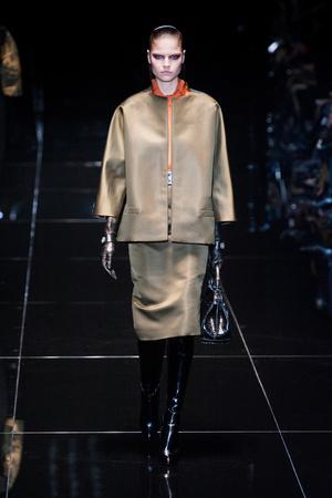 Показ Gucci коллекции сезона Осень-зима 2013-2014 года prêt-à-porter - www.elle.ru - Подиум - фото 513697