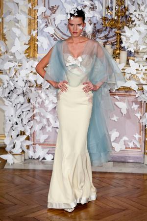 Показ Alexis Mabille коллекции сезона Весна-лето 2014 года haute couture - www.elle.ru - Подиум - фото 574424