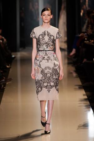 Показ Elie Saab коллекции сезона Весна-лето 2013 года Haute couture - www.elle.ru - Подиум - фото 480404