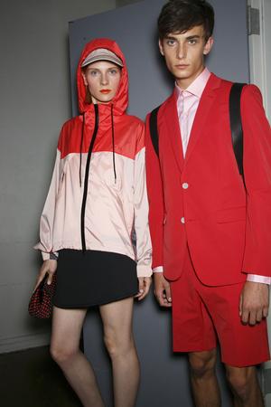 Показ DKNY коллекции сезона Весна-лето 2014 года prêt-à-porter - www.elle.ru - Подиум - фото 558199