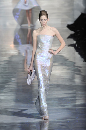 Показ Armani Prive коллекции сезона Весна-лето 2010 года Haute couture - www.elle.ru - Подиум - фото 138165