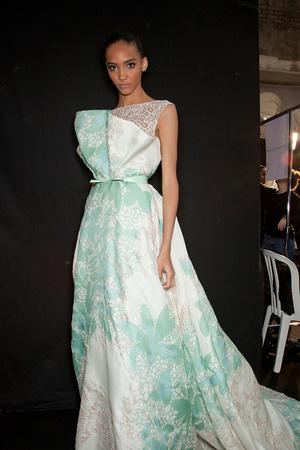 Показ Elie Saab коллекции сезона Весна-лето 2012 года haute couture - www.elle.ru - Подиум - фото 333004
