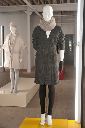 Показ TSE & Jason Wu for TSE коллекции сезона Осень-зима 2010-2011 года Prêt-à-porter - www.elle.ru - Подиум - фото 146231