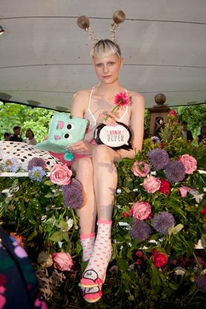 Показ Sophia Webster коллекции сезона Весна-лето 2014 года prêt-à-porter - www.elle.ru - Подиум - фото 563799
