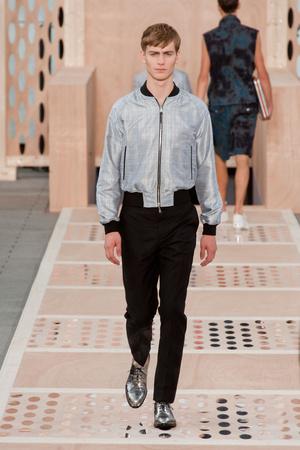 Показ Louis Vuitton коллекции сезона Весна-лето 2014 года Men prêt-à-porter - www.elle.ru - Подиум - фото 556982