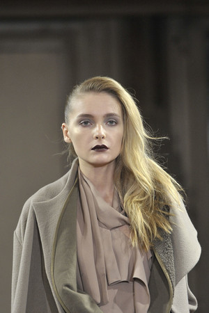 Показ Anne Valerie Hash коллекции сезона Осень-зима 2011-2012 года prêt-à-porter - www.elle.ru - Подиум - фото 248550