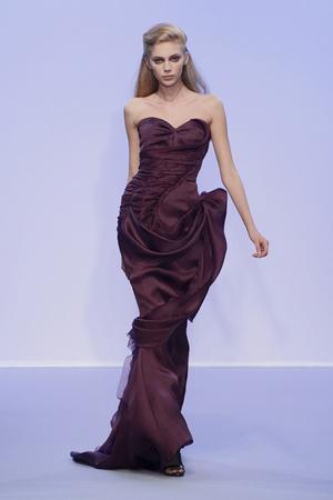 Показ Christophe Josse коллекции сезона Осень-зима 2010-2011 года Haute couture - www.elle.ru - Подиум - фото 167176