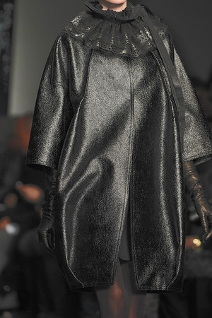 Показ Donna Karan коллекции сезона Осень-зима 2010-2011 года Prêt-à-porter - www.elle.ru - Подиум - фото 145185