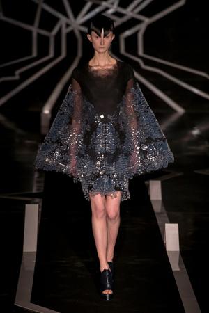 Показ Iris van Herpen коллекции сезона Весна-лето  2017 года Haute couture - www.elle.ru - Подиум - фото 616324