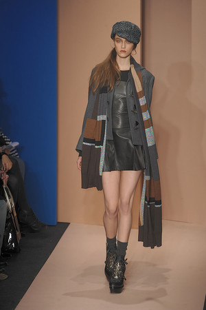 Показ DKNY коллекции сезона Осень-зима 2010-2011 года prêt-à-porter - www.elle.ru - Подиум - фото 142582