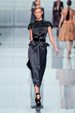 Показ Christian Dior коллекции сезона Осень-зима 2012-2013 года prêt-à-porter - www.elle.ru - Подиум - фото 376293