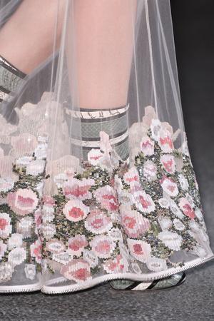 Показ Givenchy коллекции сезона Осень-зима 2013-2014 года Prêt-à-porter - www.elle.ru - Подиум - фото 547762