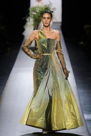 Показ Jean Paul Gaultier коллекции сезона Весна-лето 2015 года Haute couture - www.elle.ru - Подиум - фото 593205