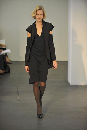 Показ Atelier Gustavo Lins коллекции сезона Осень-зима 2009-2010 года haute couture - www.elle.ru - Подиум - фото 87154