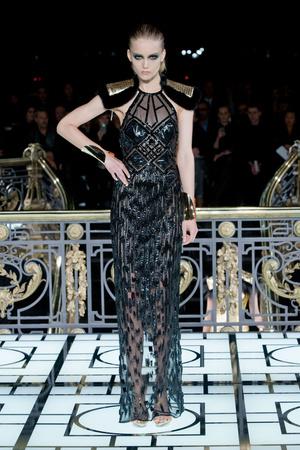 Показ Atelier Versace коллекции сезона Весна-лето 2013 года haute couture - www.elle.ru - Подиум - фото 476985