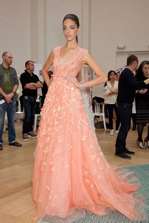 Показ Elie Saab коллекции сезона Весна-лето 2012 года haute couture - www.elle.ru - Подиум - фото 333001