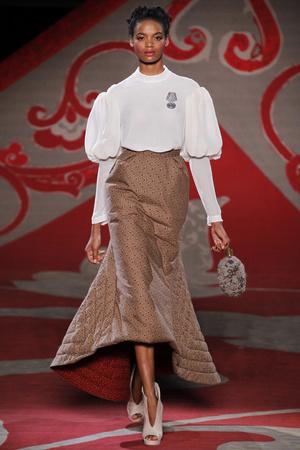 Показ Ulyana Sergeenko коллекции сезона Осень-зима 2012-2013 года haute couture - www.elle.ru - Подиум - фото 404217