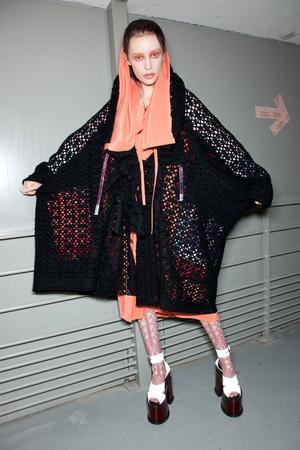 Показ Vivienne Westwood коллекции сезона Осень-зима 2012-2013 года Prêt-à-porter - www.elle.ru - Подиум - фото 380653