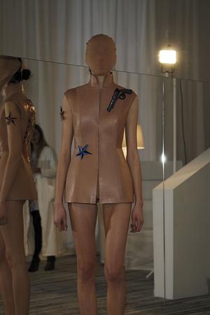 Показ Maison Martin Margiela коллекции сезона Весна-лето 2009 года Haute couture - www.elle.ru - Подиум - фото 86853