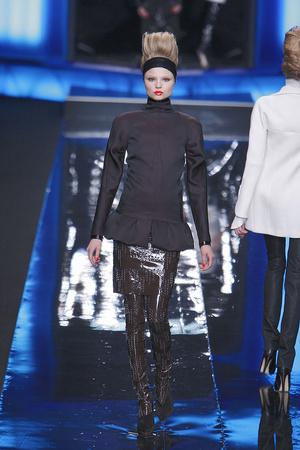 Показ Karl Lagerfeld коллекции сезона Осень-зима 2010-2011 года Prêt-à-porter - www.elle.ru - Подиум - фото 156004