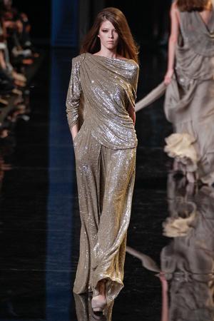 Показ Elie Saab коллекции сезона Осень-зима 2010-2011 года haute couture - www.elle.ru - Подиум - фото 168164
