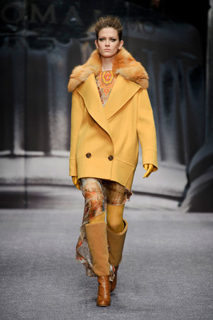 Показ Laura Biagiotti коллекции сезона Осень-зима 2013-2014 года prêt-à-porter - www.elle.ru - Подиум - фото 524931