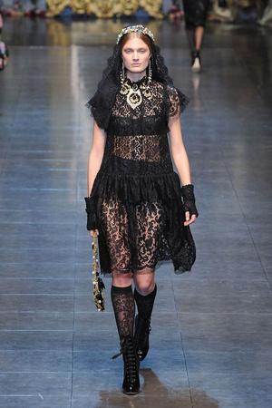 Показ Dolce & Gabbana коллекции сезона Осень-зима 2012-2013 года Prêt-à-porter - www.elle.ru - Подиум - фото 367864
