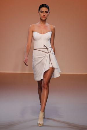 Показ Lefranc Ferrant коллекции сезона Осень-зима 2010-2011 года haute couture - www.elle.ru - Подиум - фото 168017