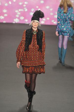 Показ Anna Sui коллекции сезона Осень-зима 2009-2010 года prêt-à-porter - www.elle.ru - Подиум - фото 88883
