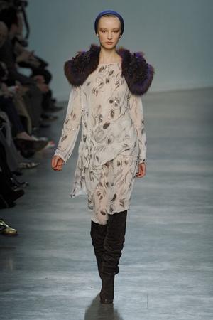 Показ Vanessa Bruno коллекции сезона Осень-зима 2011-2012 года Prêt-à-porter - www.elle.ru - Подиум - фото 254910
