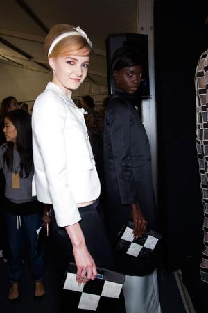 Показ Louis Vuitton коллекции сезона Весна-лето 2013 года prêt-à-porter - www.elle.ru - Подиум - фото 466269