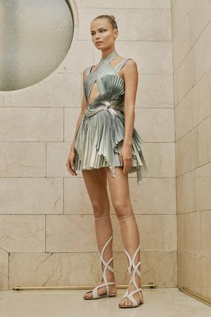 Показ Atelier Versace коллекции сезона Весна-лето  2017 года Haute couture - www.elle.ru - Подиум - фото 616873