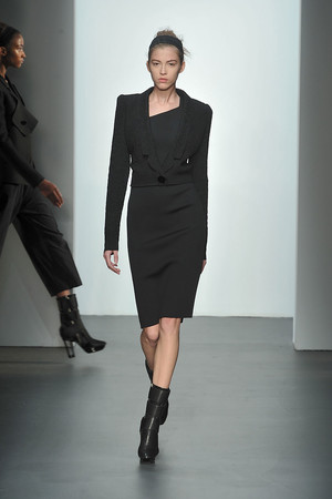 Показ Calvin Klein коллекции сезона Осень-зима 2009-2010 года prêt-à-porter - www.elle.ru - Подиум - фото 89323