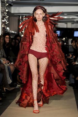 Показ Maurizio Galante коллекции сезона Весна-лето 2011 года haute couture - www.elle.ru - Подиум - фото 216008