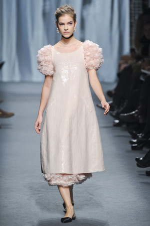 Показ  коллекции сезона Весна-лето 2011 года haute couture - www.elle.ru - Подиум - фото 215712