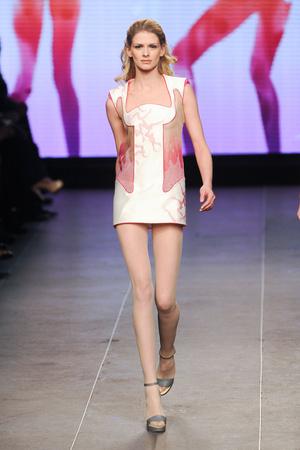 Показ Julien Fournie коллекции сезона Весна-лето 2012 года Haute couture - www.elle.ru - Подиум - фото 331792